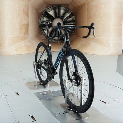Tour de France Winner, Chris Froome, has invested in Factor Bikes