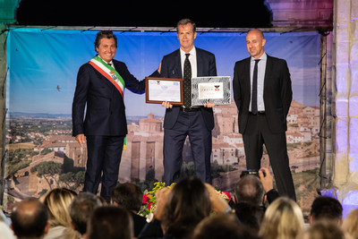 "Stefan Edberg, ""Carriera nel fair play"" (Career in fair play) winner (PRNewsfoto/Menarini I.F.R.)"
